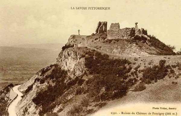 Ruines du<br /> Château de Faucigny